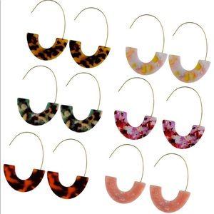Set of 6 pairs of women's acrylic earrings
